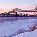 セントローレンス川にかかるジャック・カルティエ橋