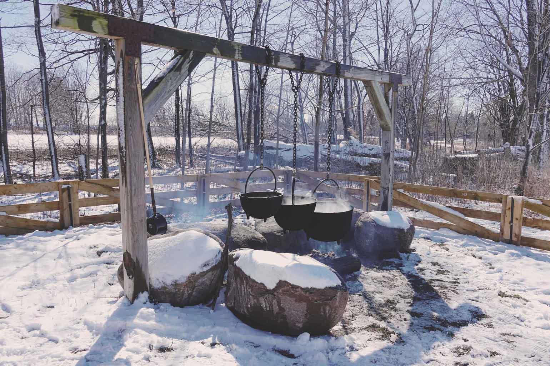 開拓者の入植で大きな鉄鍋になる