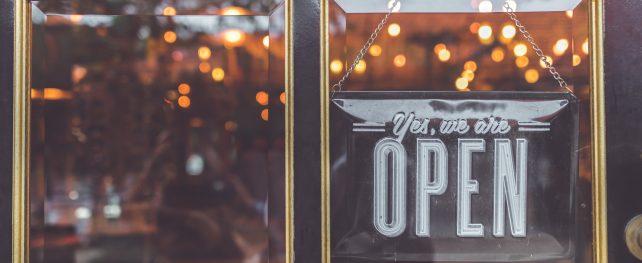【アップデート】ロックダウン中のトロント郊外エトビコにあるBBQレストランが禁止されている店内飲食の再開を宣言