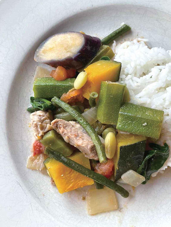 9種の野菜のPinakbet(ピナクベット)